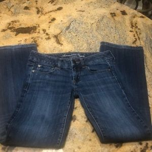 Beautiful American eagle favorite boyfriend jeans